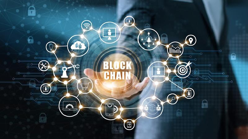 private-vs-public-blockchain